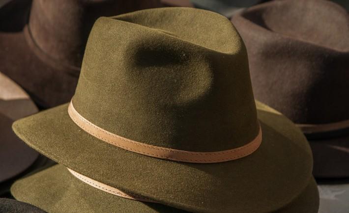 hat-1882816_1280
