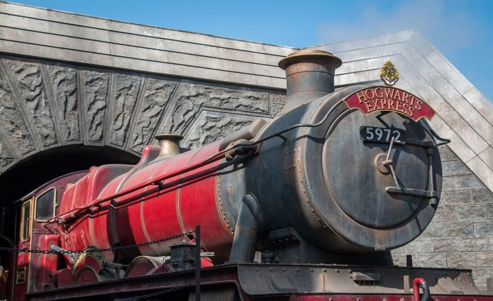 Hogwarts_Express_(29353947895)